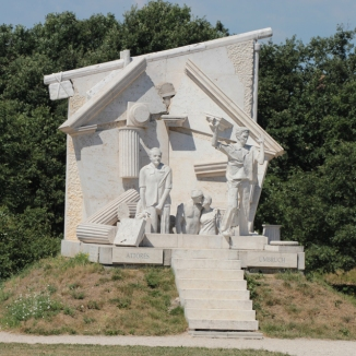 Kunstwerk an der Gedenkstätte zum Paneuropäischen Picknick